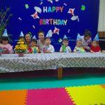 Tiệc sinh nhật tháng 5